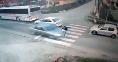Copil din Brebeni, spulberat de o maşină pe trecerea de pietoni din apropierea şcolii