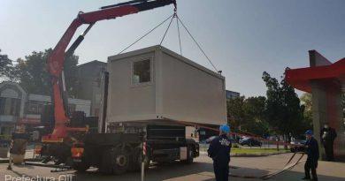 Spitalele din Olt primesc containere şi radiatoare de la Rezerva de Stat, pentru triajul pacienţilor