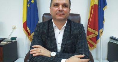 Prefectul de Olt Florin Homorean, cetățean de onoare al localității sale natale Vama, județul Suceava